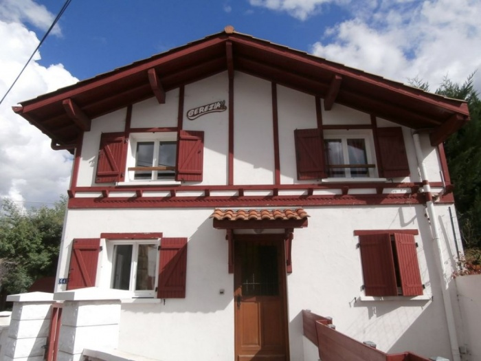 A 52 m² apartment in Ustaritz