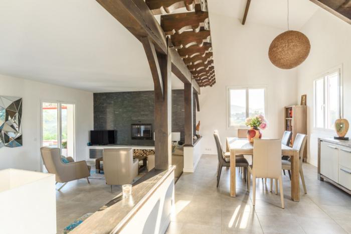 Villa avec superbe vue dégagée et calme absolu