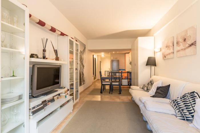 Plage a vendre studio avec terrasse et cave