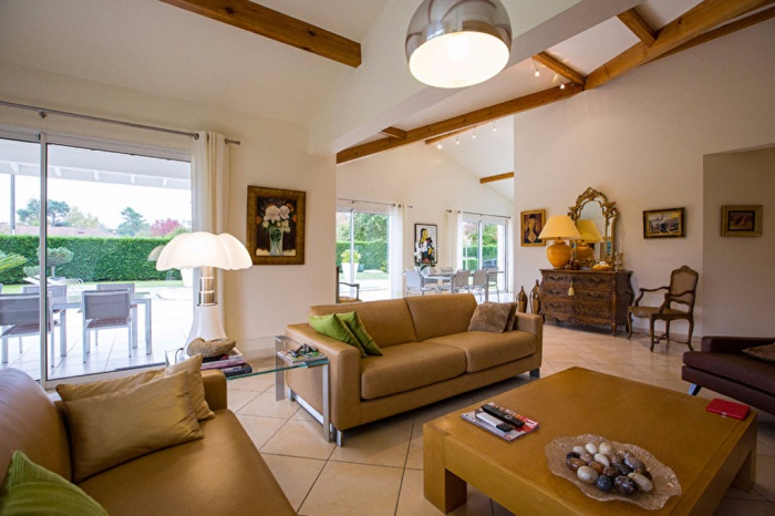 HOUSE Saubrigues 7 rooms 240 sqm