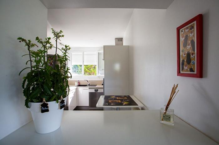 exclusivit t3 en plein coeur du quartier des ar nes achat appartement bayonne carmen. Black Bedroom Furniture Sets. Home Design Ideas