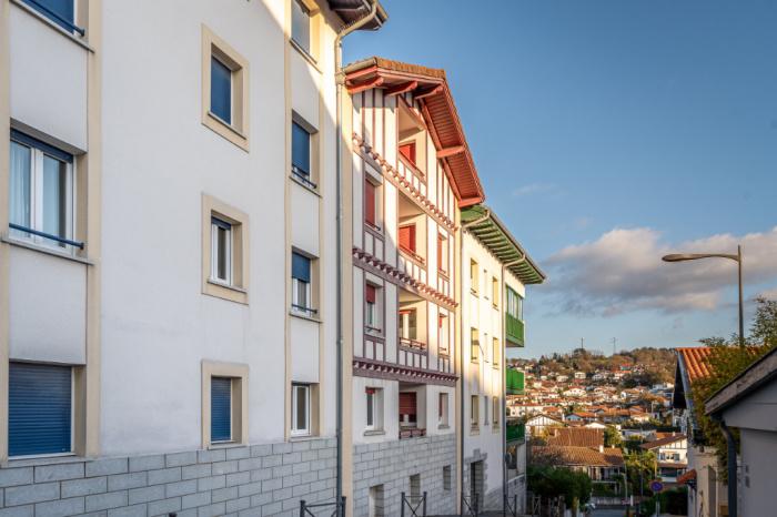Coeur de ville sur Hendaye, 3 pièces au dernier étage