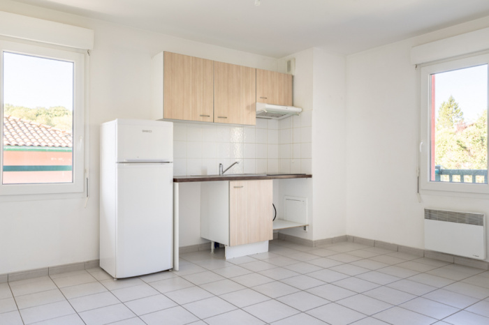 Quartier calme et résidentiel grand 2 pièces à vendre