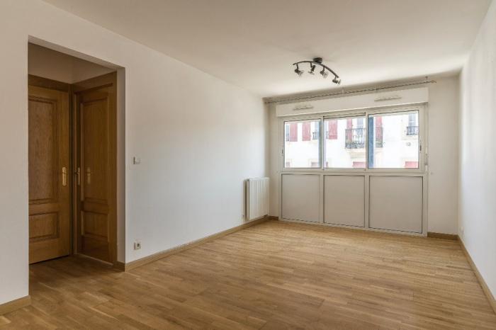 Appartement T3 proche commodités  dans résidence récente