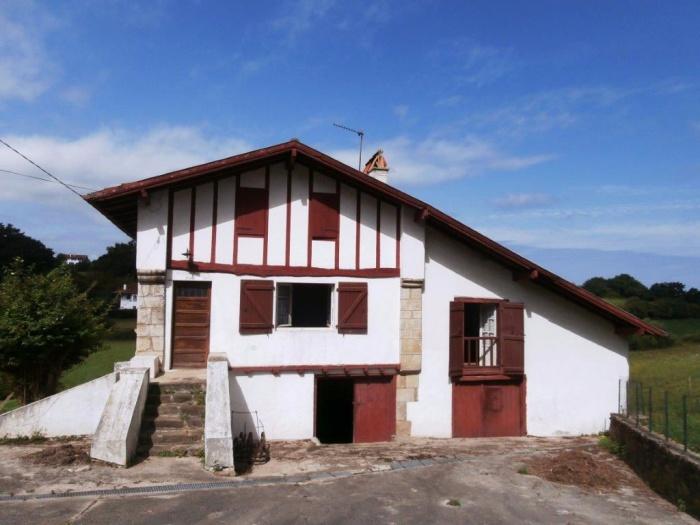 A Vendre Authentique Ferme Basque De 1727 Achat Maison Urrugne Carmen Immobilier