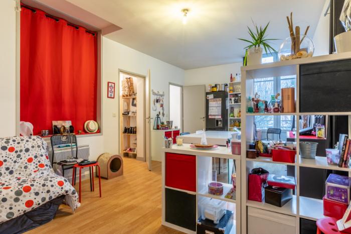 quartier petit bayonne pi ton a vendre appartement 3 pi ces loue avec vue d gag e achat. Black Bedroom Furniture Sets. Home Design Ideas
