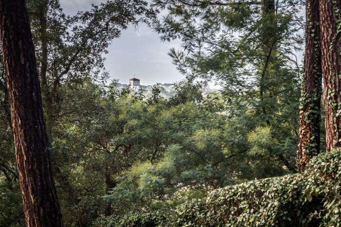 Hossegor, imposante villa en position dominante & proche du centre ville