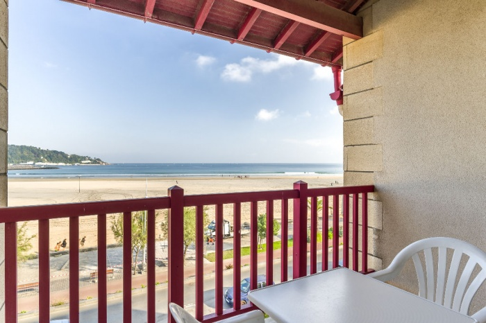 Premi re ligne de plage appartement en duplex avec cave et - Achat appartement hendaye ...