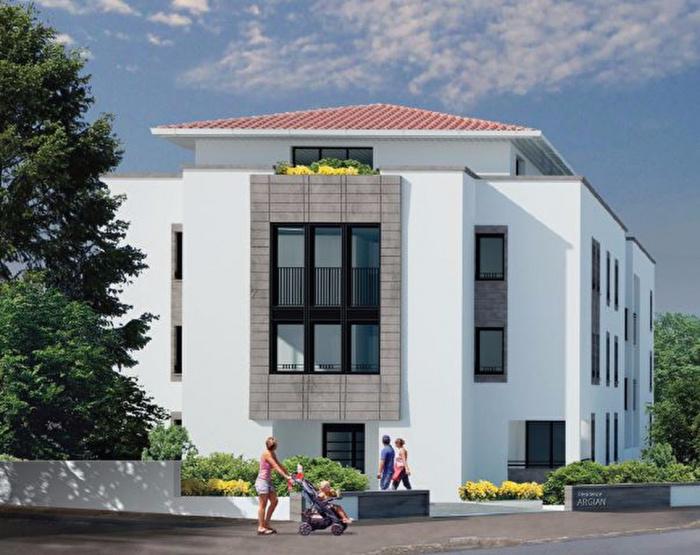 les commodit s du quartier des ar nes achat appartement bayonne carmen immobilier. Black Bedroom Furniture Sets. Home Design Ideas