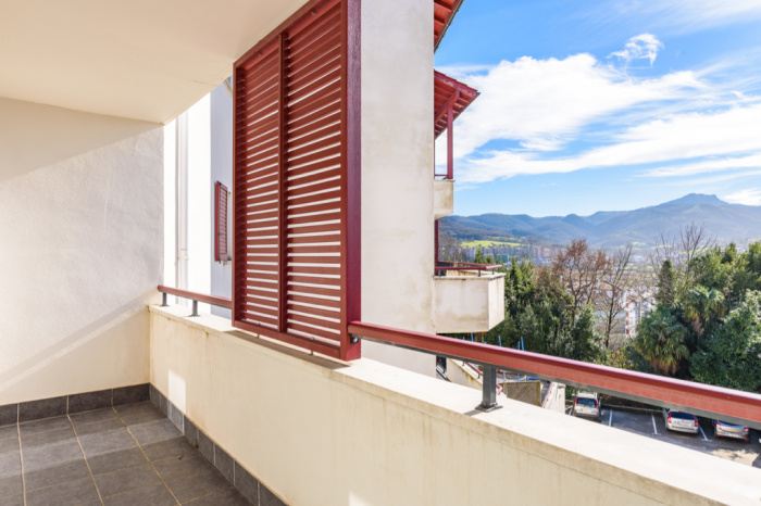 Appartement Hendaye ville T3 belle terrasse