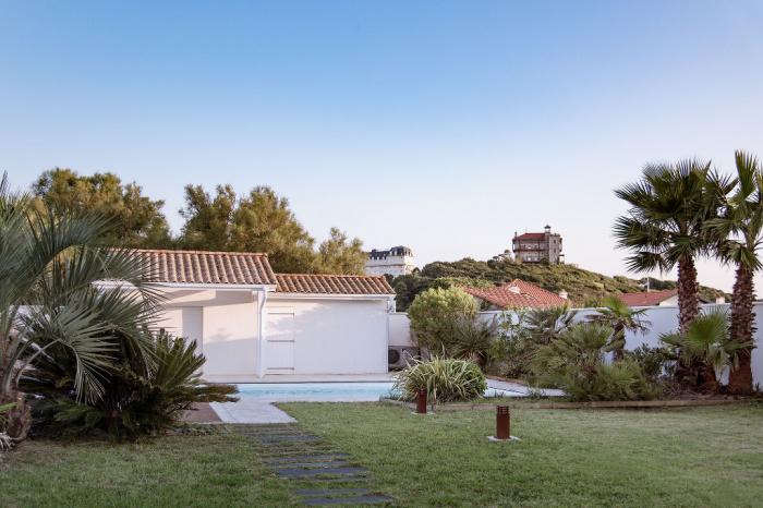 Prestigious house on the seafront