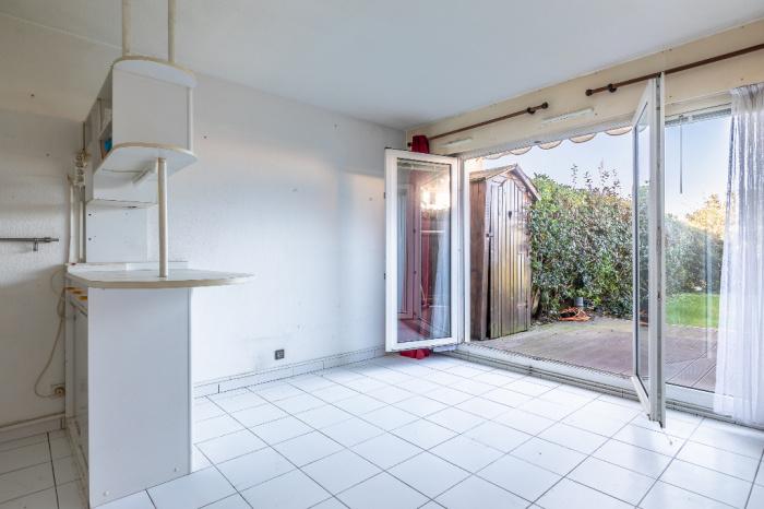 Exclusivité , A vendre Anglet plage: studio  avec jardin terrasse et place de parking privative