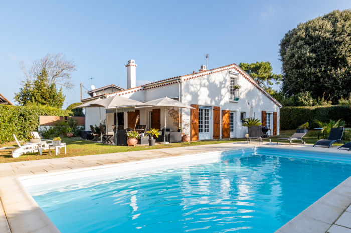 House Chambre d\'amour, with pool - House / villa for sale Anglet ...