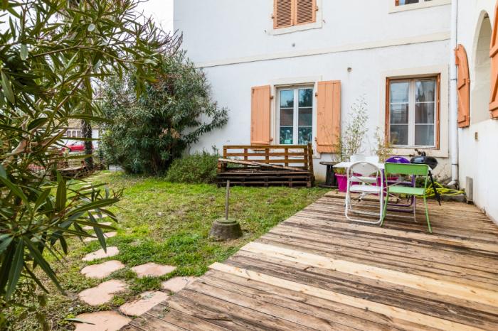 quartier saint bernard a vendre appartement coup de coeur avec jardin achat appartement. Black Bedroom Furniture Sets. Home Design Ideas