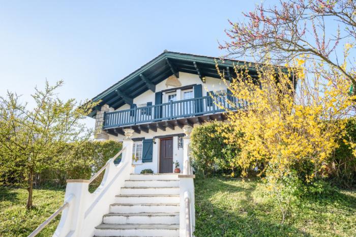 Grande maison au quartier du lac à vendre