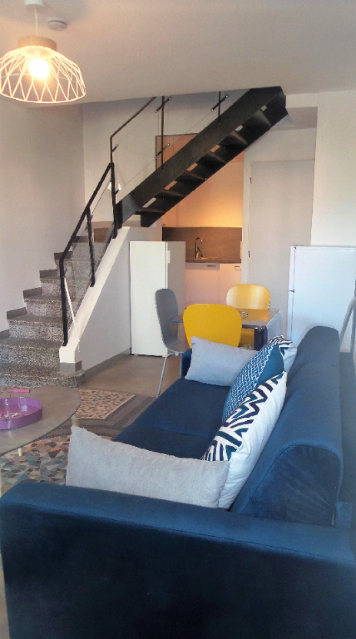 FOR SALE BIARRITZ: T2 bis IN FULLY FURNISHED DUPLEX