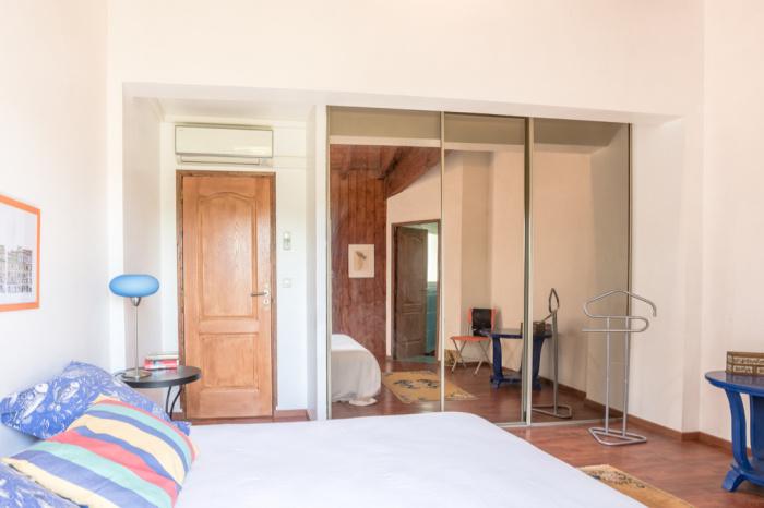 Casa san Jean de luz tranquila y hermosos volúmenes.