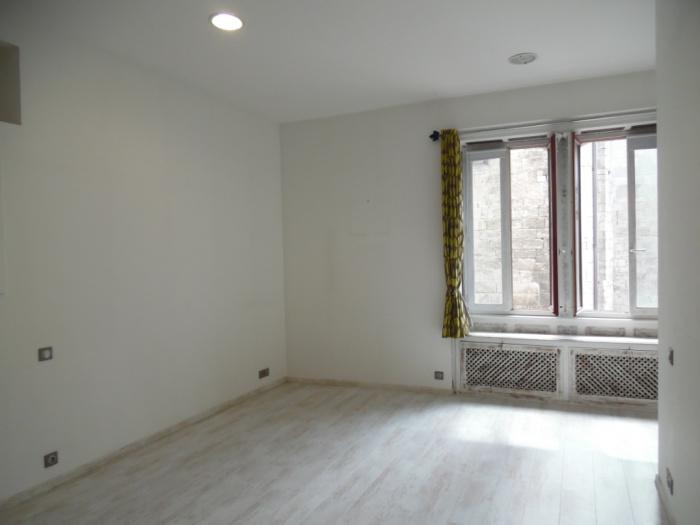 Apartamento tipo 4 con vista al puerto y a la bahía en venta