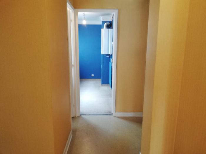Bayonne avenue Foch proche toutes commodités. A vendre appartement 54m2 à rénover.