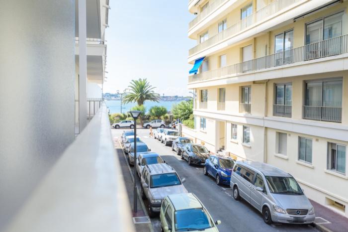 Apartamento tipo 3 a pie de playa.