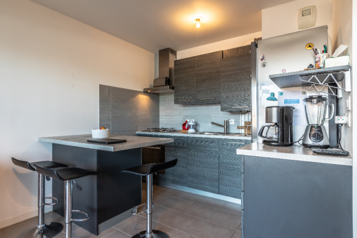 Barrio Habas, T2 a la venta en una residencia reciente y segura.