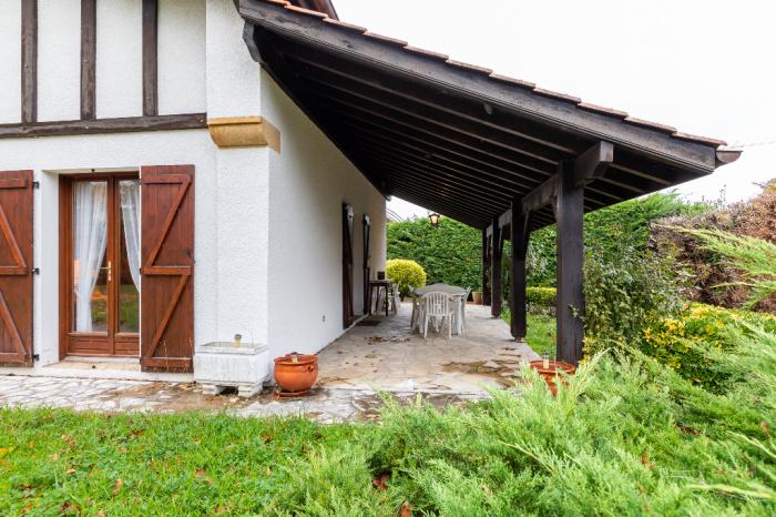 Cerca del centro de la ciudad, hermosa casa landaise en venta