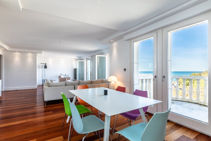 For sale Biarritz Vieux Port apartment 5 rooms sea view