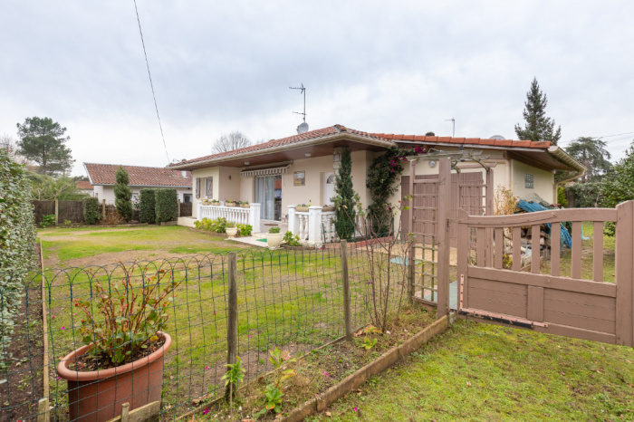 House in Capbreton Near City Center