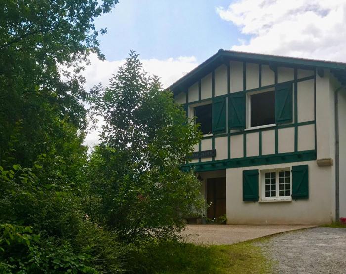 Maison familiale Saint Pée sur Nivelle avec belle vue Rhune