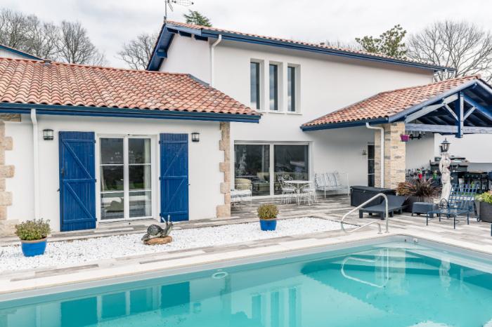 A Vendre Maison Contemporaine Dans Le Bourg D Urrugne Achat Maison Urrugne Carmen Immobilier