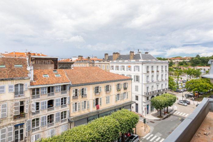 Grand BAYONNE - EN VENTA Apartamento de 4 habitaciones reformado en el último piso