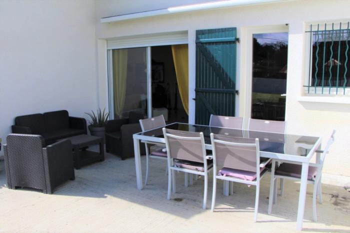 USTARITZ - House on 1,500 m² plot