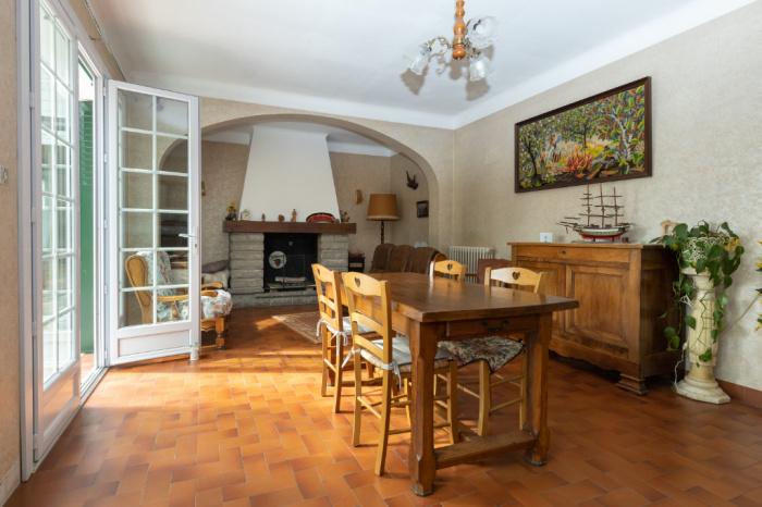 Maison  7 pièce(s) 164 m2