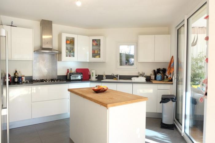 A vendre Anglet Chiberta, appartement 3 pièces à vendre avec studio indépendant, piscine et jardin