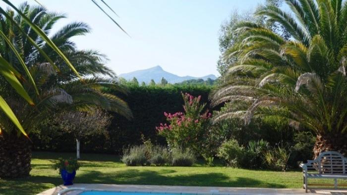 MARGARITA, casa con vistas a las montañas