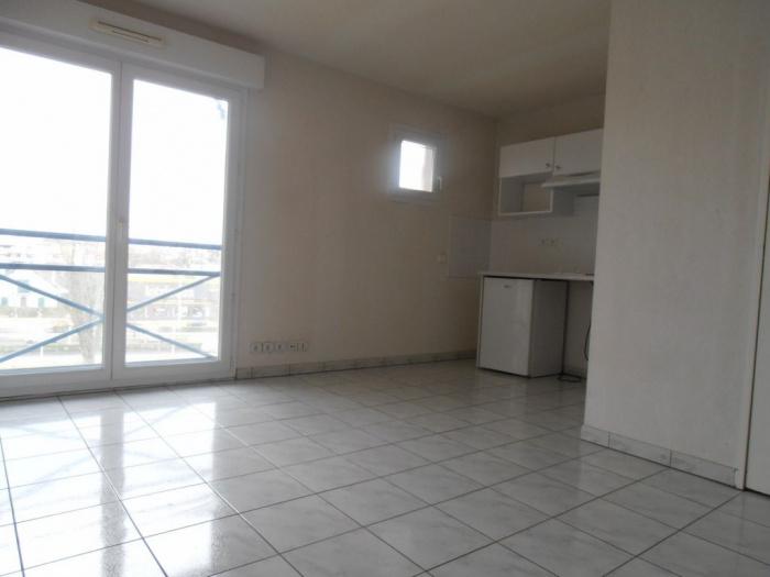 For sale, BUSQUET district, rented studio