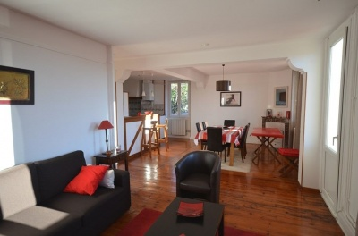 For sale two-bedroom 75 sqm appartement in Saint J