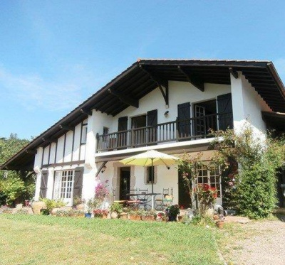 Maison URRUGNE - 176.88 m²