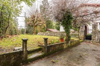 Maison à vendre, fort potentiel proche commodités avec jardin