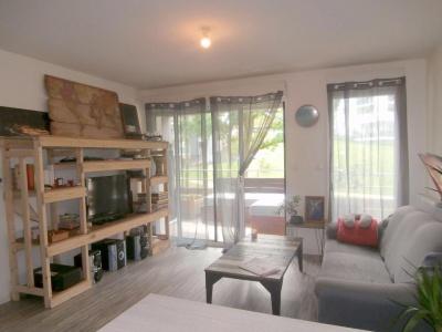 Joli appartement à vendre sur les hauteurs de la ville avec terrasse et parking
